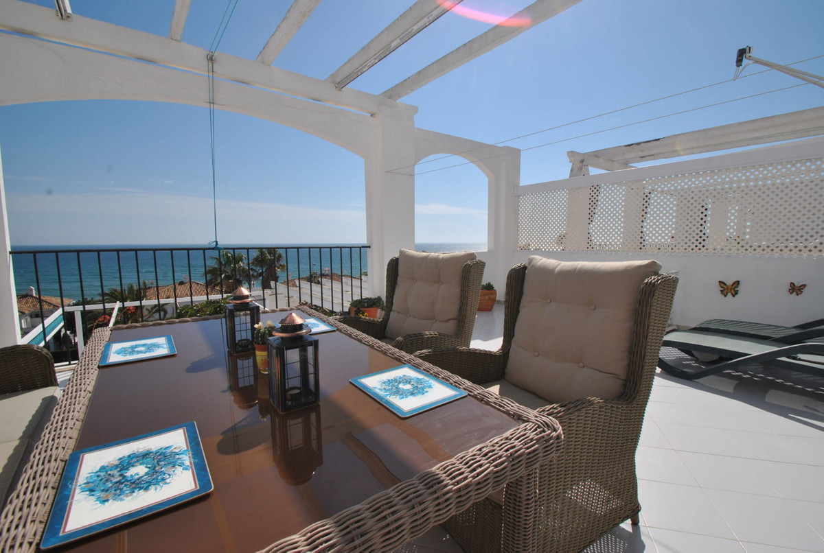 Apartment in Mijas Costa with open sea views