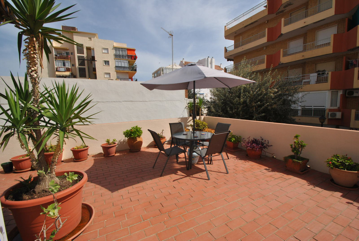 Apartment for sale in Fuengirola with 85m2 terrace