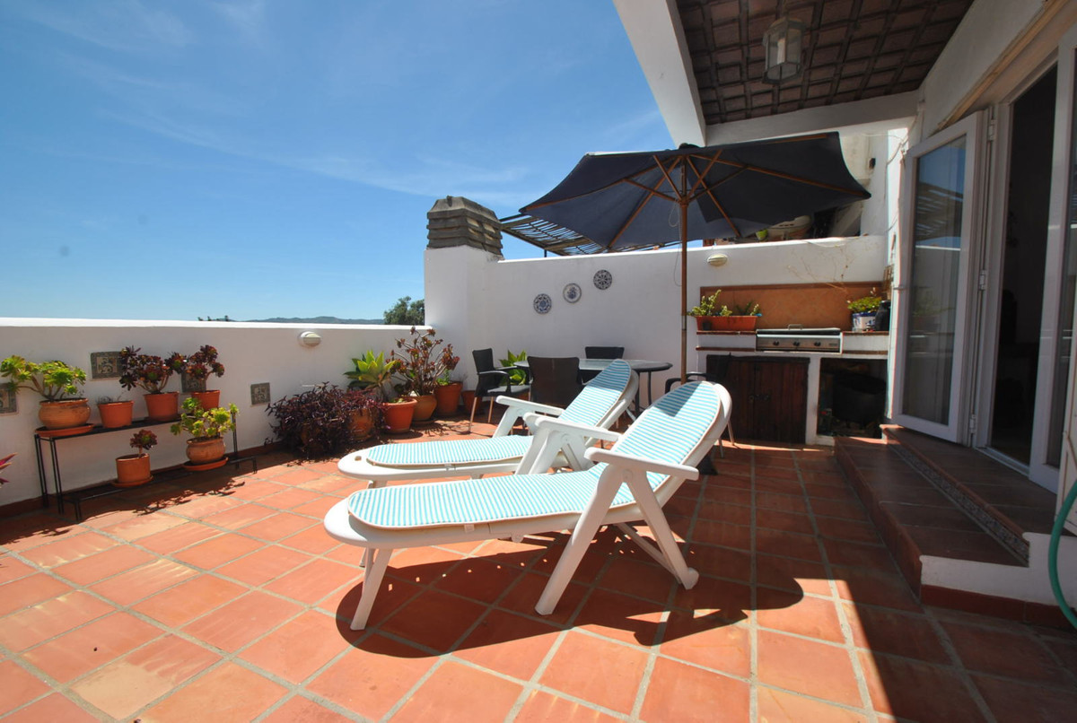 2 bedroom house in Mijas golf with lots of outside space
