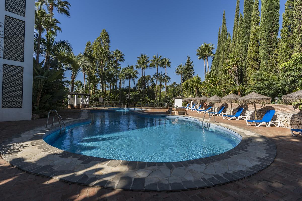 Apartamento en Venta en Marbella – R3628607