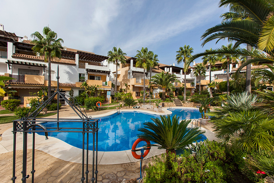 Middle Floor Apartment in Bahía de Marbella