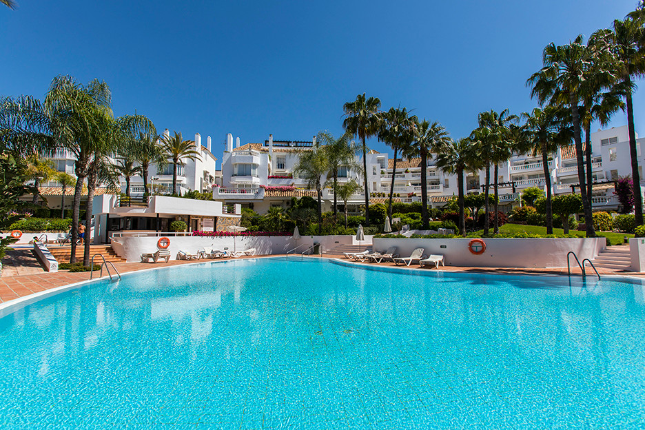 Refurbished apartment in White Pearl Beach in Elviria, East Marbella, offering two bedrooms, two bat, Spain