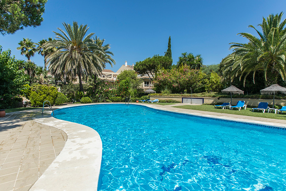Beautiful duplex top floor apartment in the complex Marbella Park only a couple of meters away from , Spain