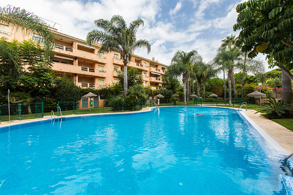 Situated in an enclosed and secure beachside urbanisation in Carib Playa, East Marbella, this spacio,Spain