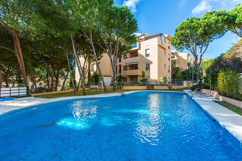 Marbella Banus Apartamento Planta Baja en Venta en Elviria – R3550930