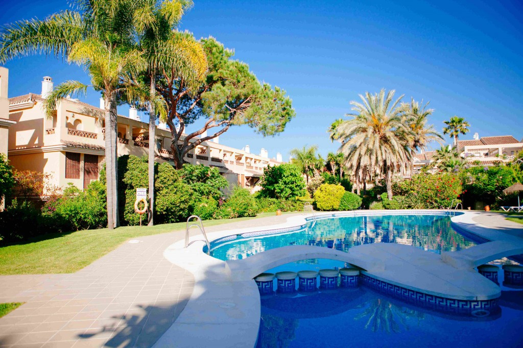 Double ground floor apartment only 100 meters away from the beach in Elviria in the complex Marbella,Spain