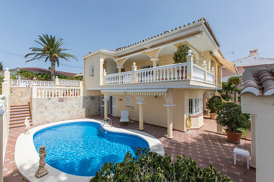 Beautiful house with stunning sea views in Elviria, East Marbella. The house has been built on two l,Spain