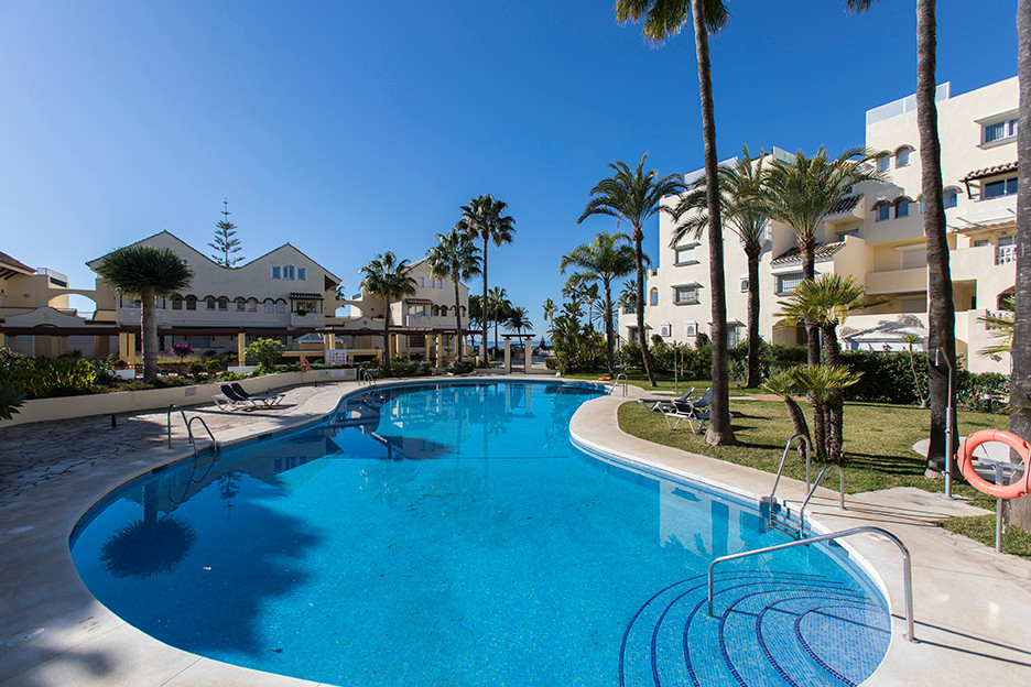 Apartment in White Pearl Beach II in Elviria, East Marbella, with sea views. It offers two bedrooms,, Spain