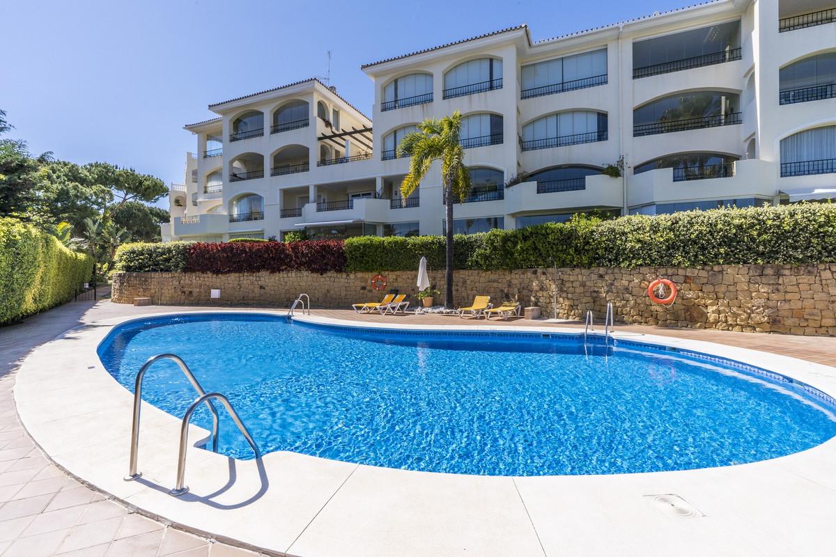 Marbella Banus Apartamento en Venta en Elviria – R3412873
