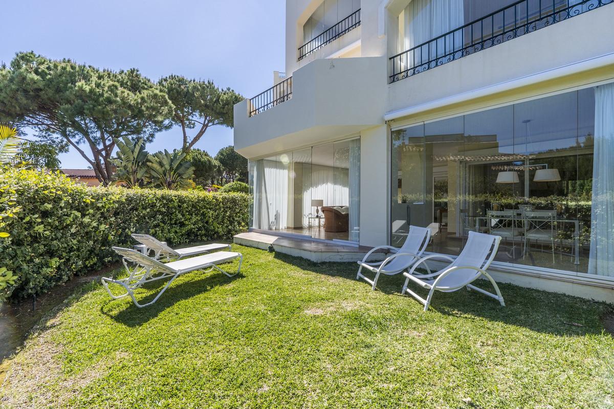 Apartamento en Venta en Elviria – R3412873