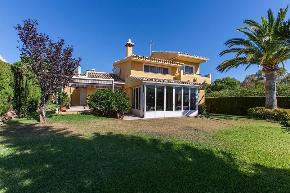 Villa en vente à Elviria R2738588