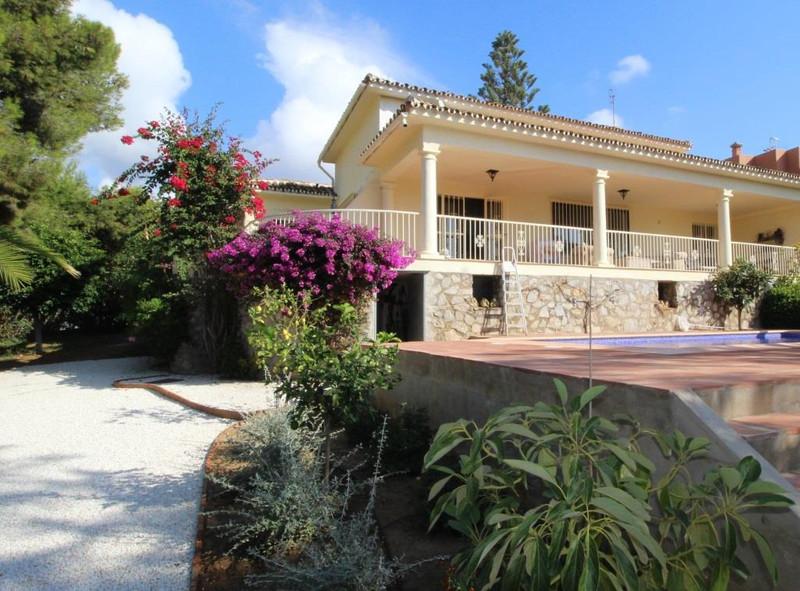 Villa - Chalet en Artola