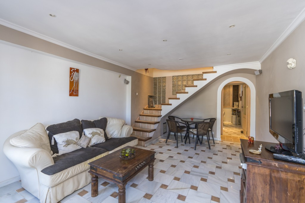 Small but charming duplex apartment in Elviria, East Marbella, only a few minutes away from the beac, Spain