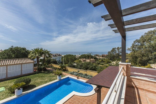 Spectacular beachside Villa within walking distance to the beach and all amenities in Elviria, East , Spain