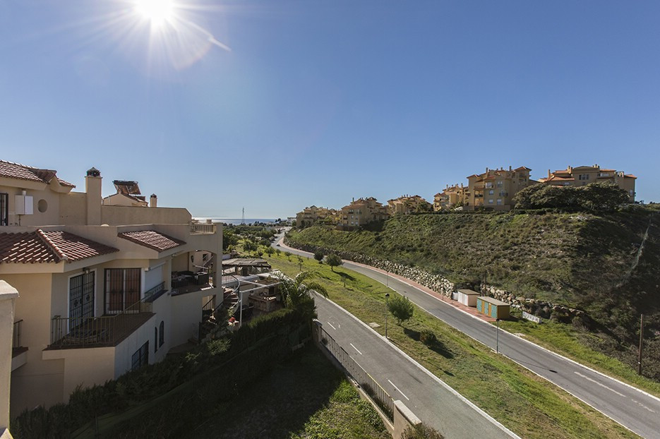 Beautiful end of the row duplex semi-detached house with sea and mountain views in Las Lomas de Rivi, Spain