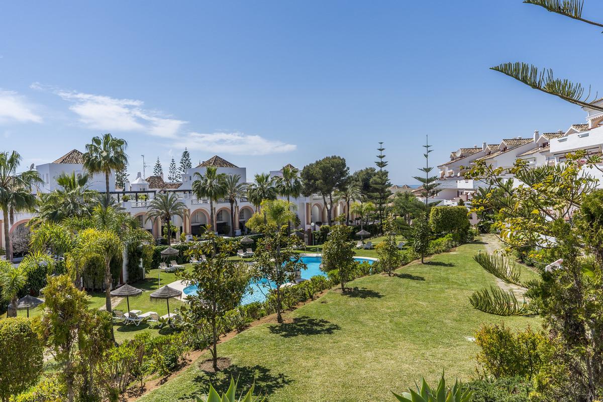 Marbella Banus Ático en Venta en Elviria – R3390844