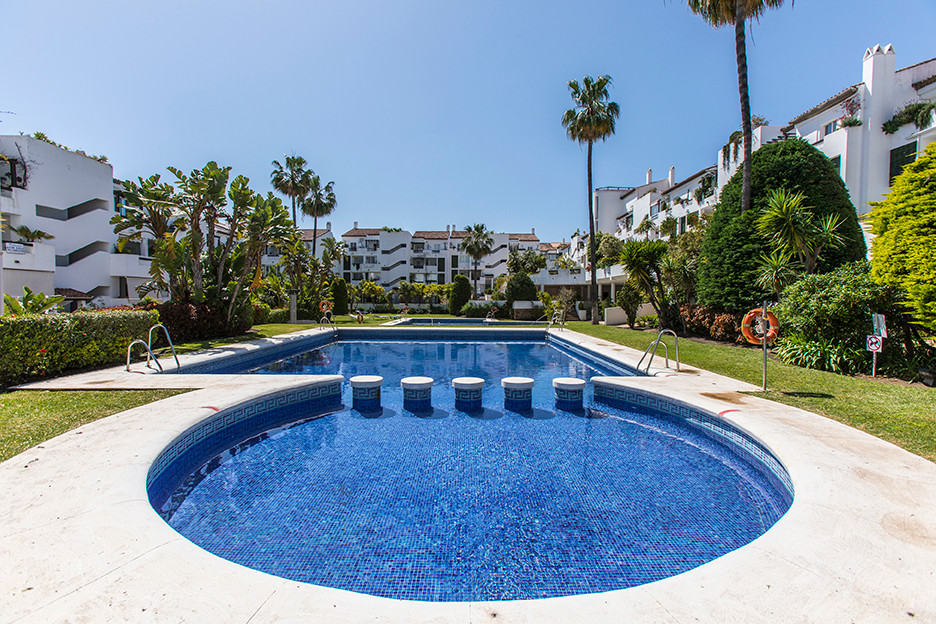 Lovely Penthouse with stunning sea views and lots of sun within walking distance to shops, restauran, Spain