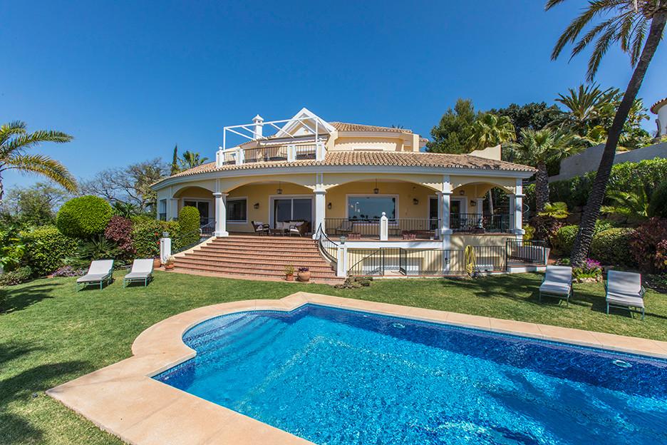 Marbella Banus Villa – Chalet en Venta en Hacienda Las Chapas – R3166303