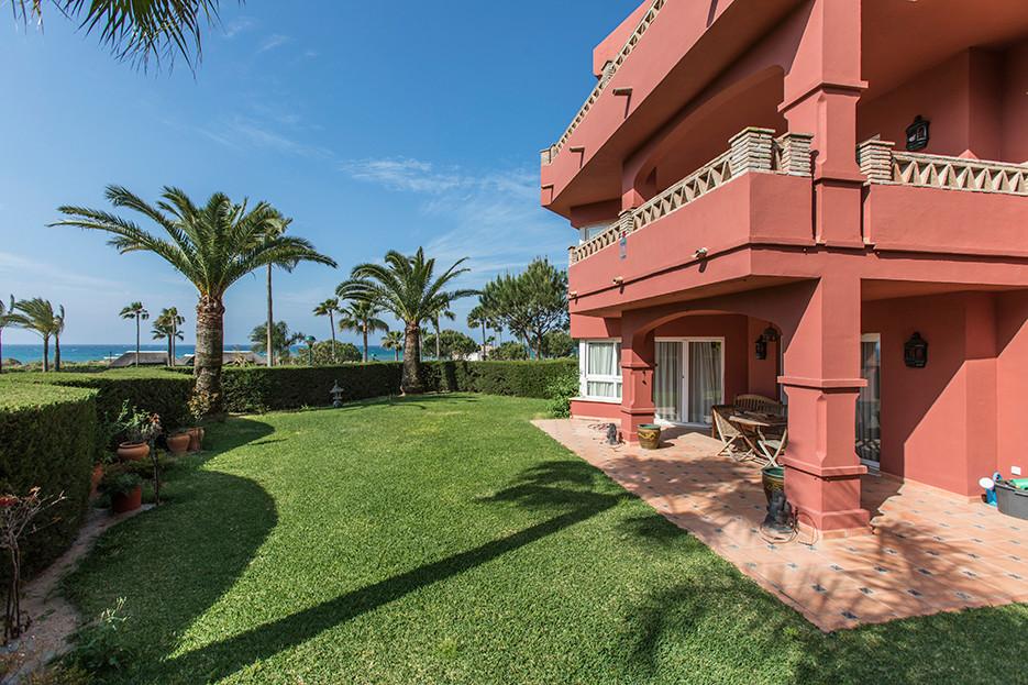 Marbella Banus Apartamento Planta Baja en venta en Elviria – R3436675