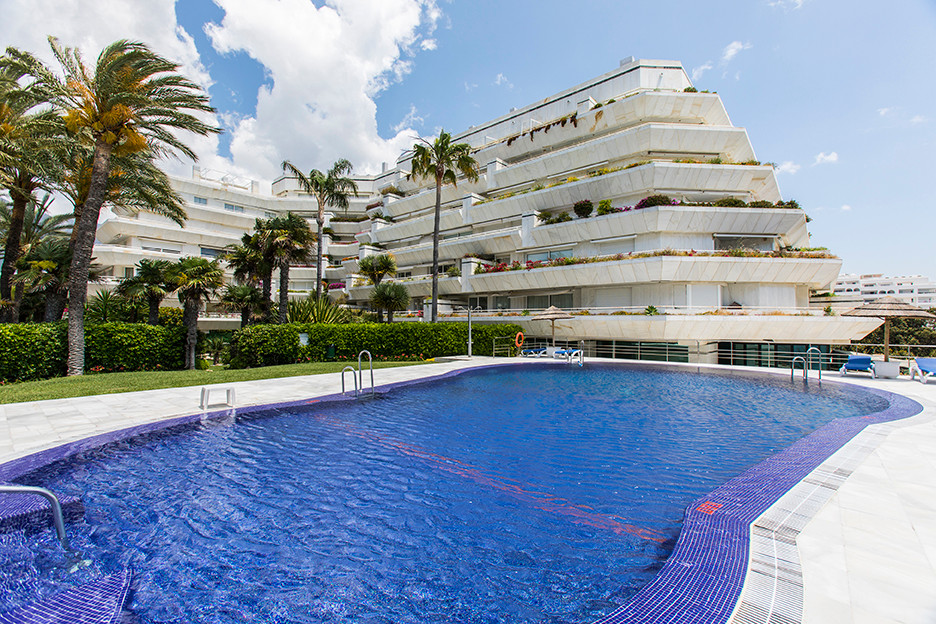 Impressively spacious apartment in the exclusive frontline beach complex right on the promenade of M, Spain