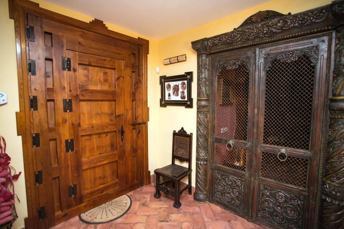 Villa te koop in Alhaurín el Grande R3677489