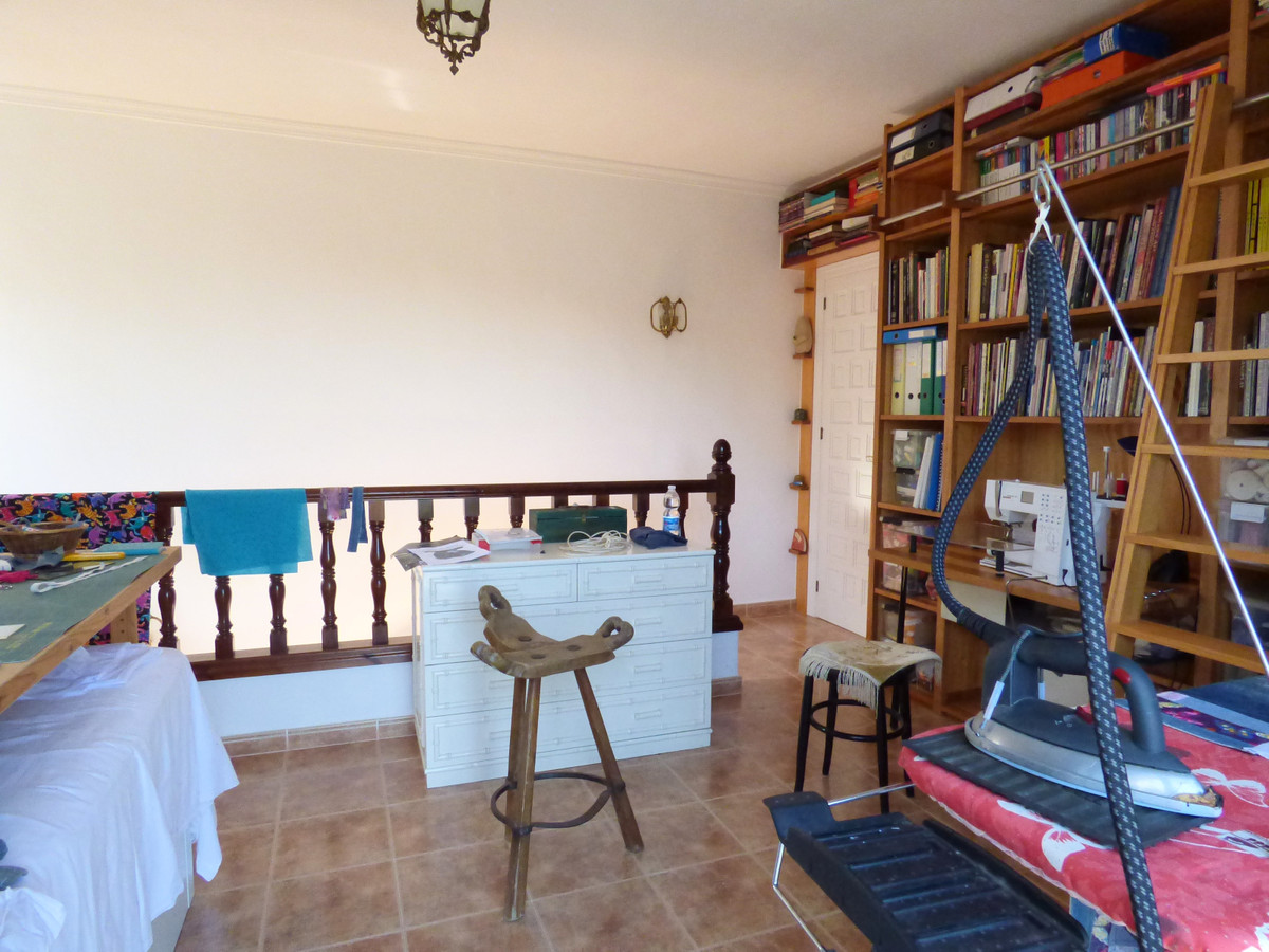 House in Alhaurín el Grande R3751153 45