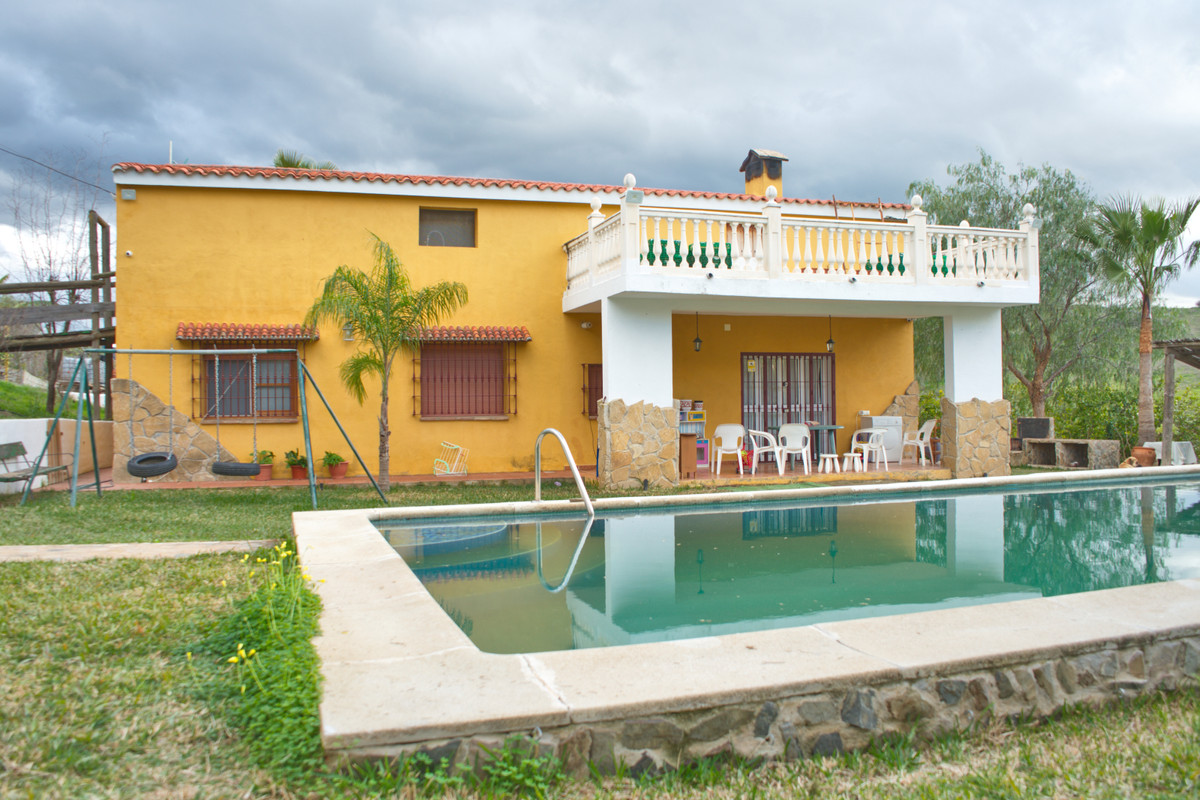Finca - Cortijo, Estacion de Cartama, Costa del Sol. 3 Bedrooms, 2 Bathrooms, Built 191 m², Terrace , Spain