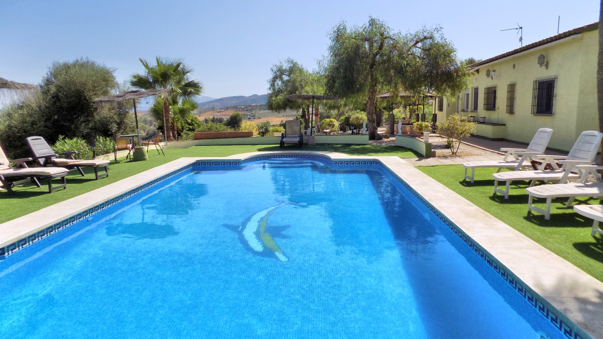 Villa  Detached 													for sale  																			 in Pizarra