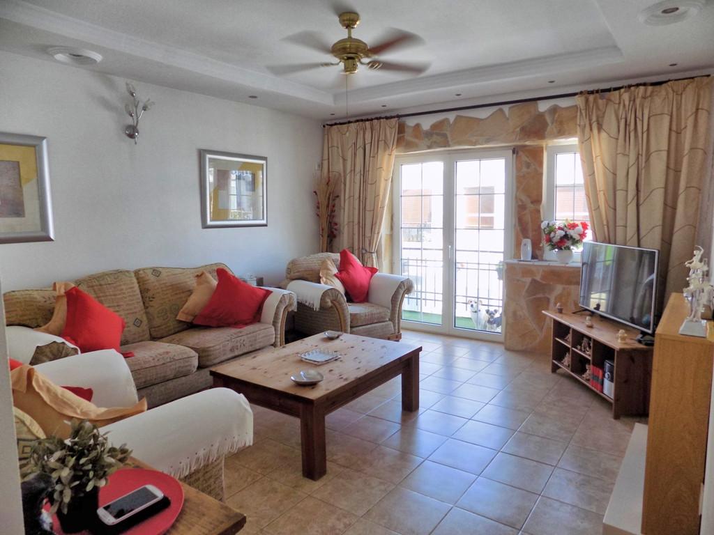 Apartment, Middle Floor  for sale    en Coín
