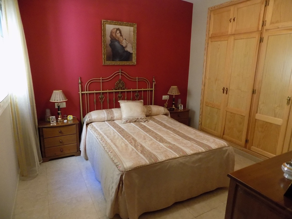 This beautiful apartment is located in a very quiet area of Coin, on the first floor with lift and a, Spain