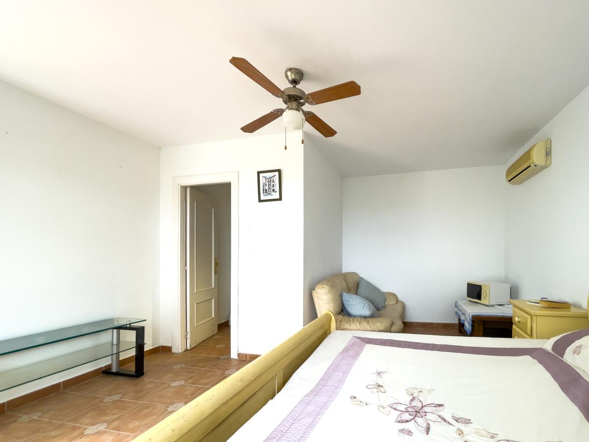 House in Alhaurín de la Torre R3226945 56