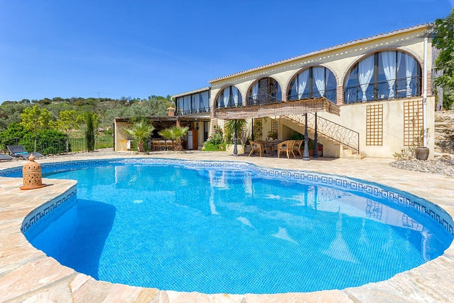 Located approximately an hour's drive from Malaga airport, set in the open countryside just 8km, Spain