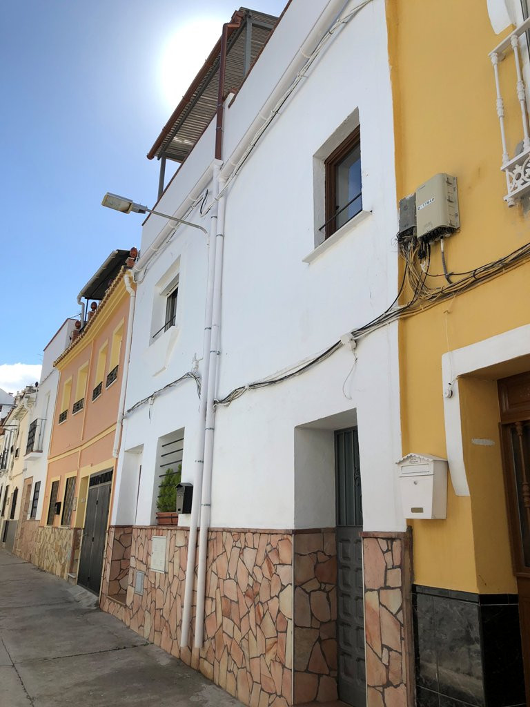 This townhouse has been beautifully renovated to a