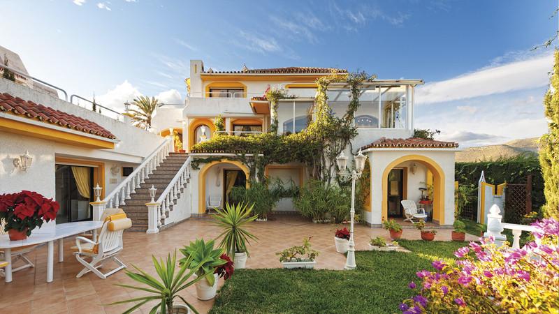 Villas for sale in Nueva Andalucia 23