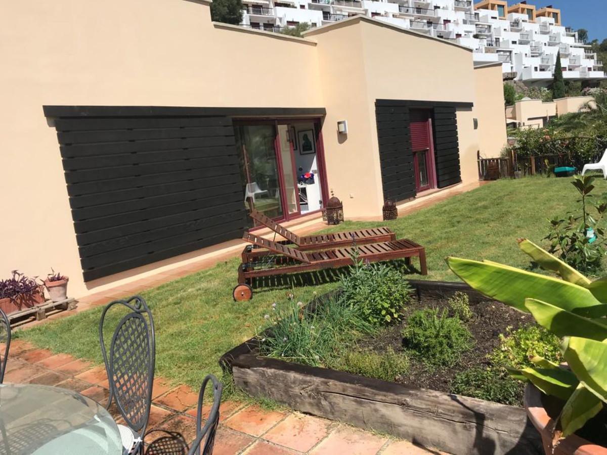 R3678914   Detached Villa in Benahavís – € 300,000 – 3 beds, 3 baths