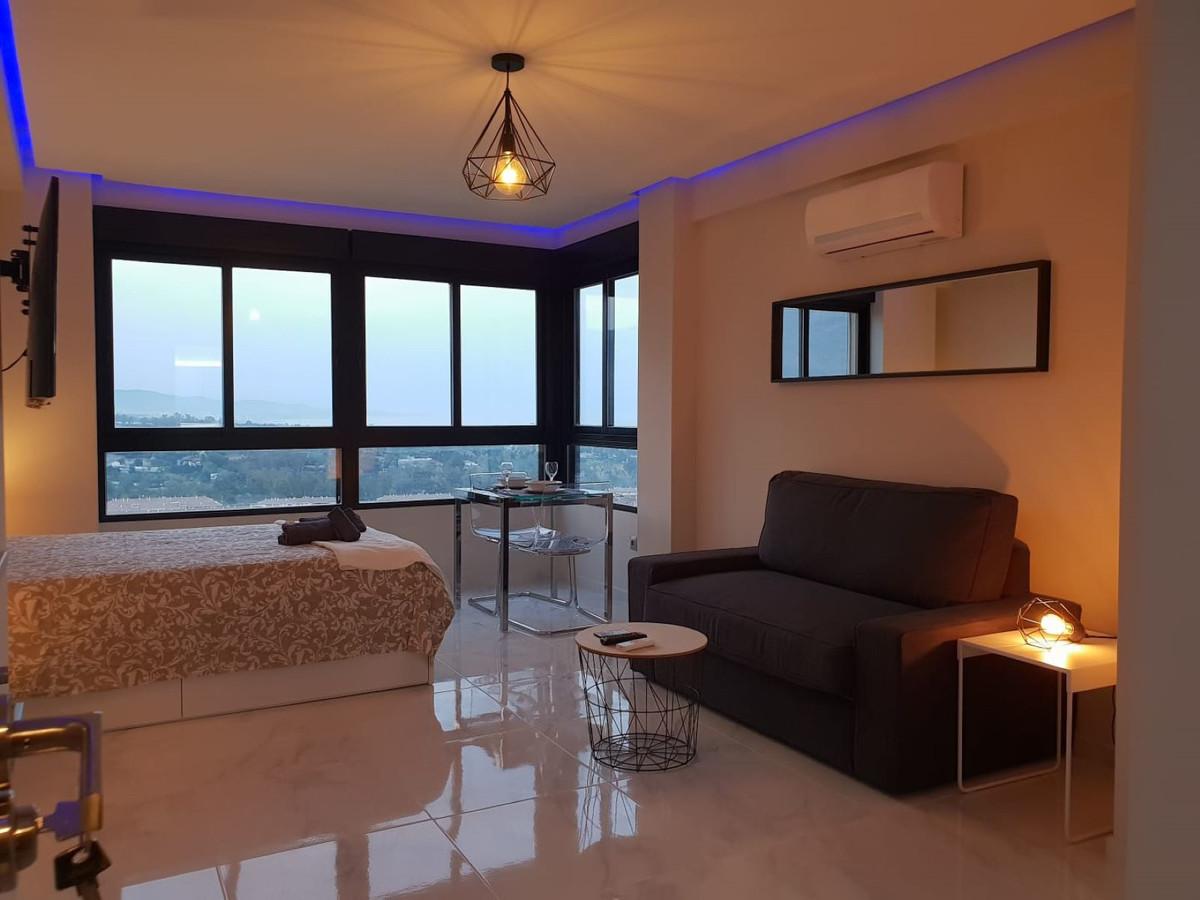 Long Term Rental - Top Floor Studio - Nueva Andalucía - 1 - mibgroup.es