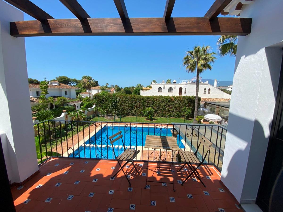 Marbella Banus Apartamento Planta Media en Venta en New Golden Mile – R3728959