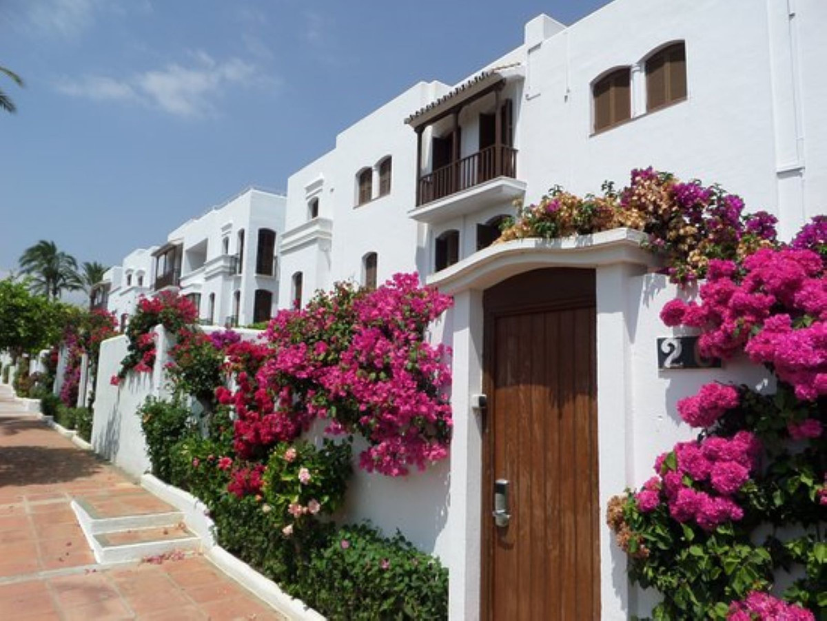 Beautiful low studio type very bright, completely renovated and stylish. The house is cozy and has a, Spain