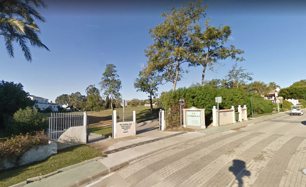 Plot for sale in La Cerquilla, the best area of Nueva Andalucia.  It has exactly 888 sqm and the pos,Spain