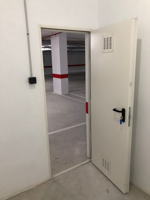 Storages for rent & sale in Magna Marbella, Nueva Andalucia.  We have more than 50 storages avai,Spain