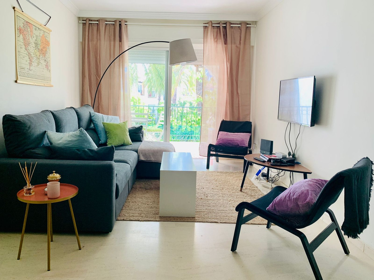 Great value apartment located within a beautiful beachfront development on Estepona's New Golde,Spain