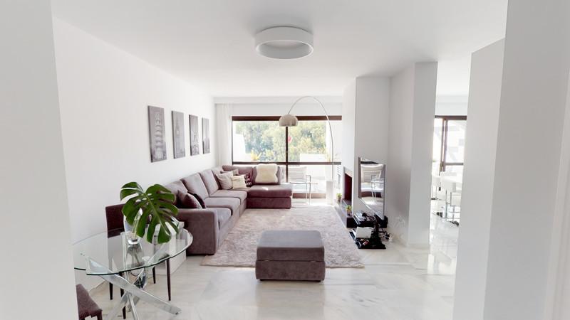 Marbella Banus Apartamento en Planta Última, Benahavís – R3218932