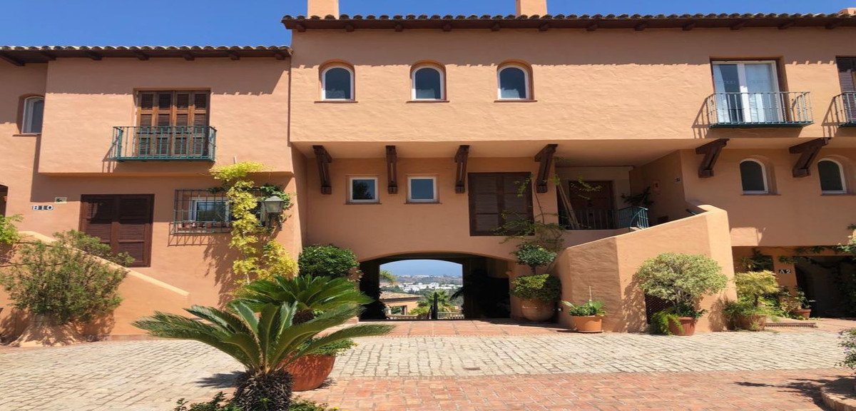 Apartamento en Venta en Marbella – R3477004