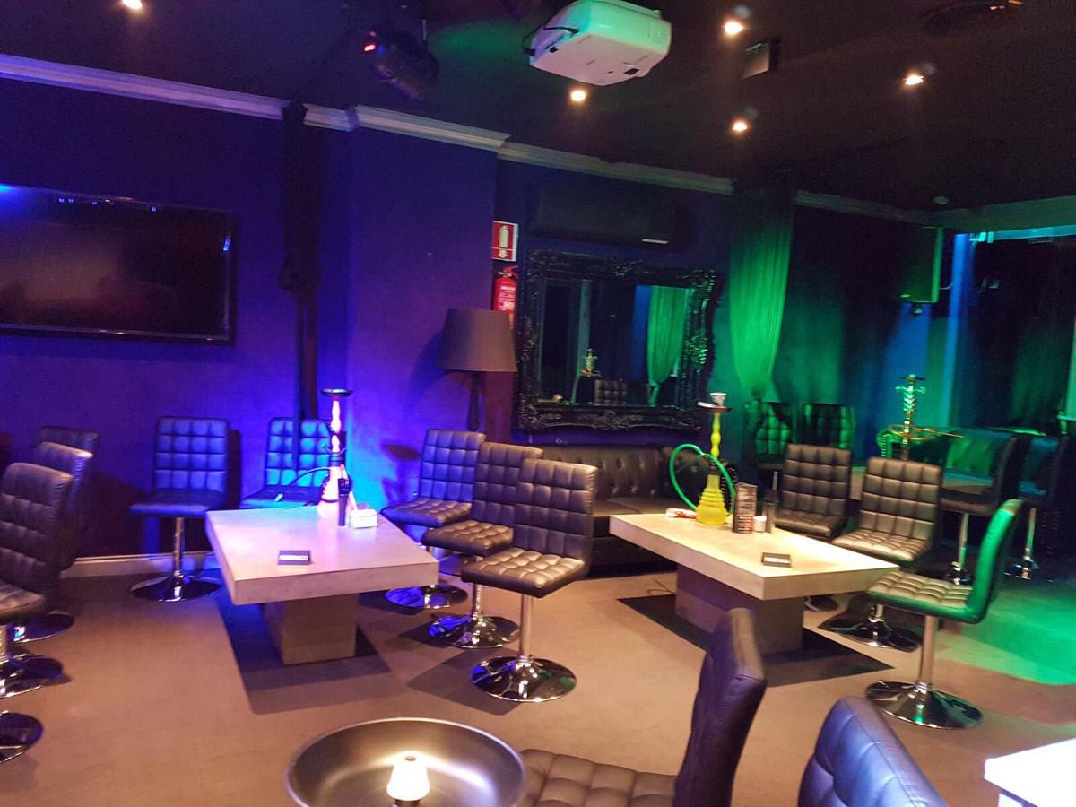 Bar  en venta en  Puerto Banús, Costa del Sol – R2958281