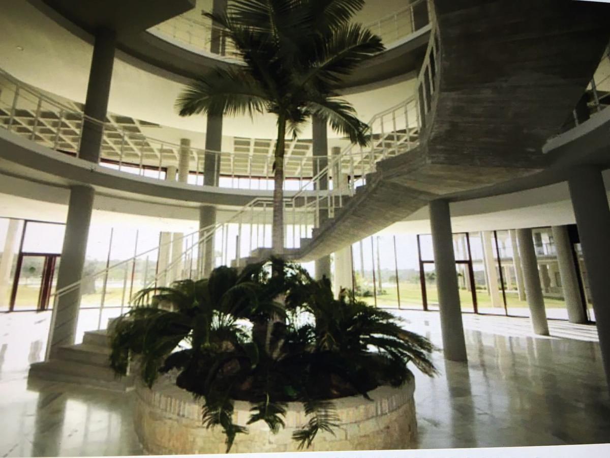 R2982272 | Top Floor Apartment in Benahavís – € 155,000 – 2 beds, 2 baths