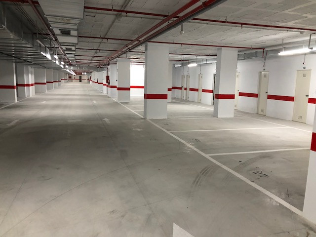70 Garages in Magna Marbella.  Newly built, brand new !!!  The garage has carbon monoxide extractor,,Spain