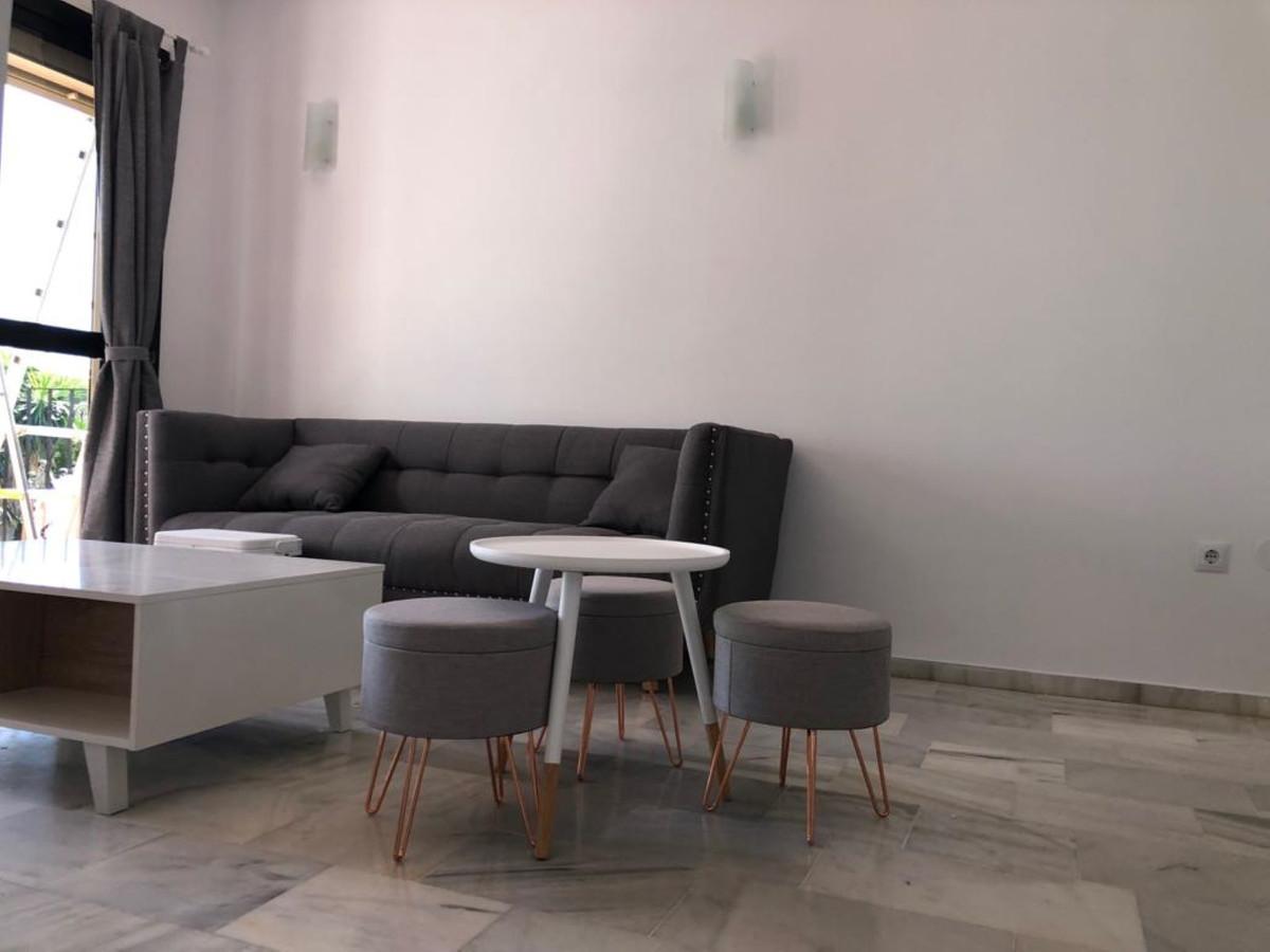 Marbella Banus Apartamento en Venta en New Golden Mile – R3359338
