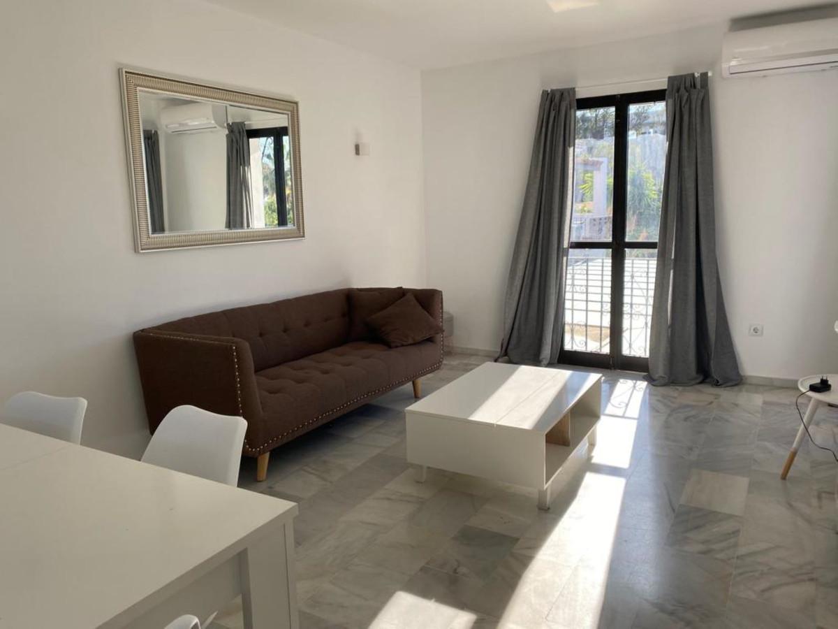 Appartement te koop in New Golden Mile R3359338