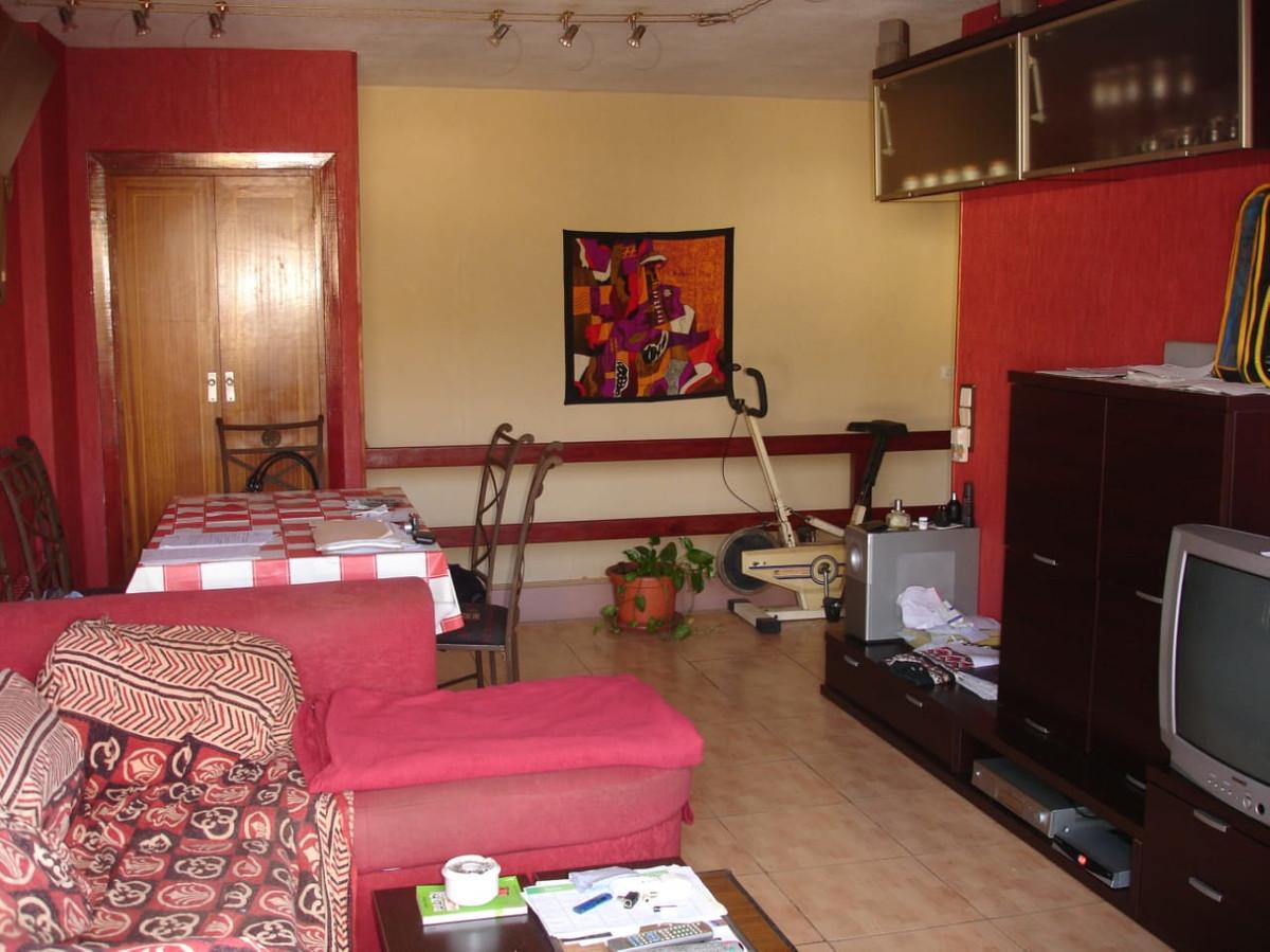 Marbella Banus Apartamento en Venta en Elviria – R3334240