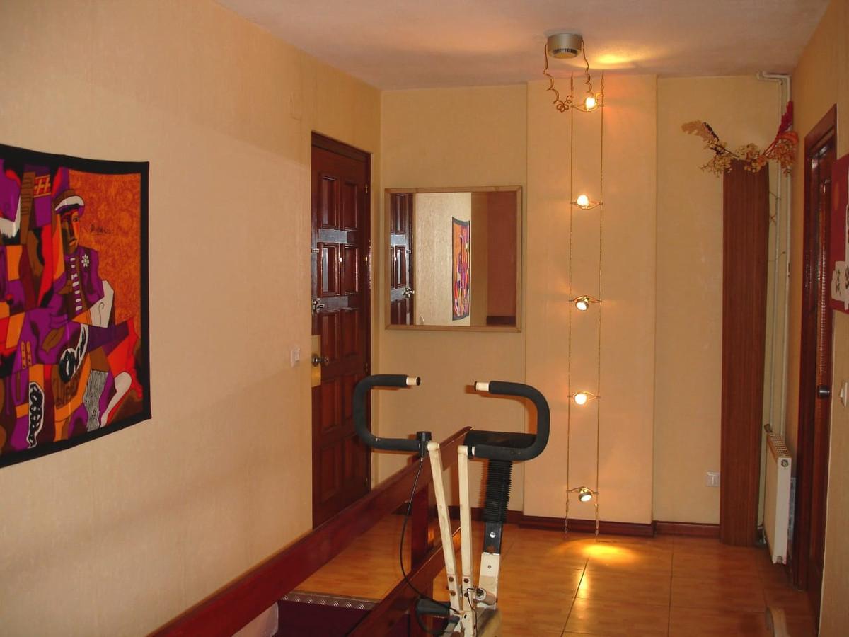 Apartamento en Venta en Elviria – R3334240